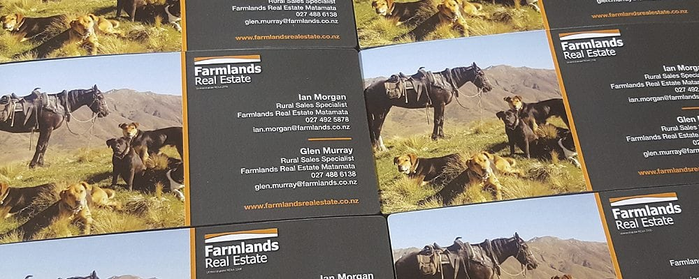 Personalised magnets come in standard business card size (90 x 55mm)